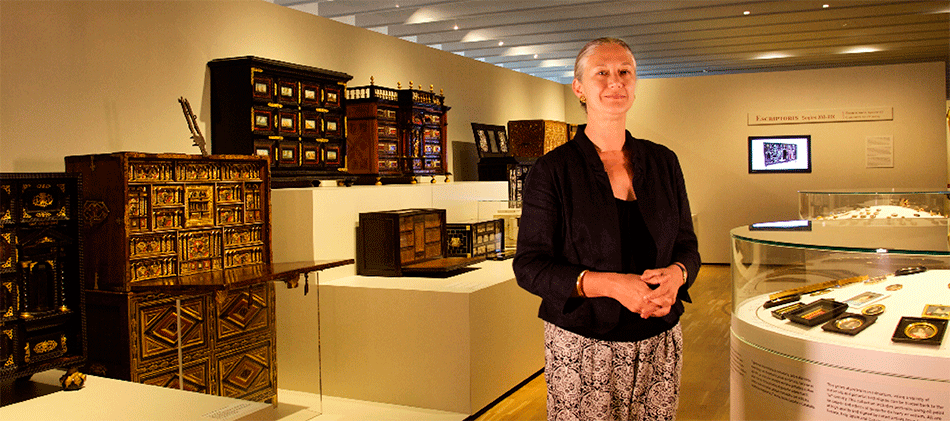 pilar-velez_director-design-museum-of-barcelona-on -decorative-arts-room
