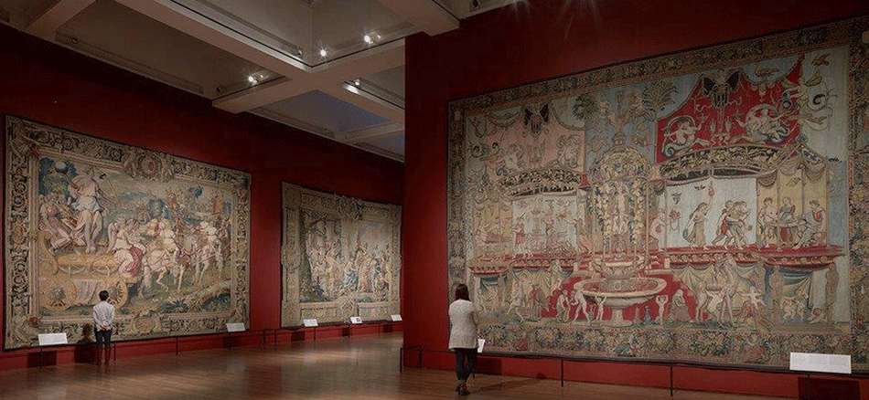 exhibition-view_woven-gold_tapestries-of-louis-xvi