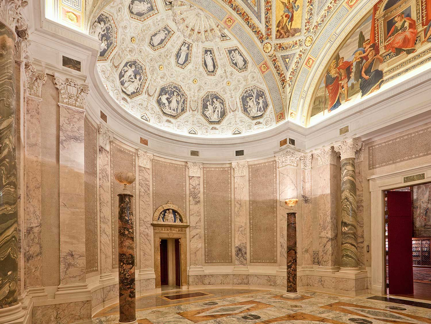 11-rotunda_angle-view