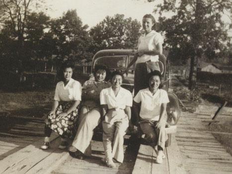 ruth-asawa-1943-w