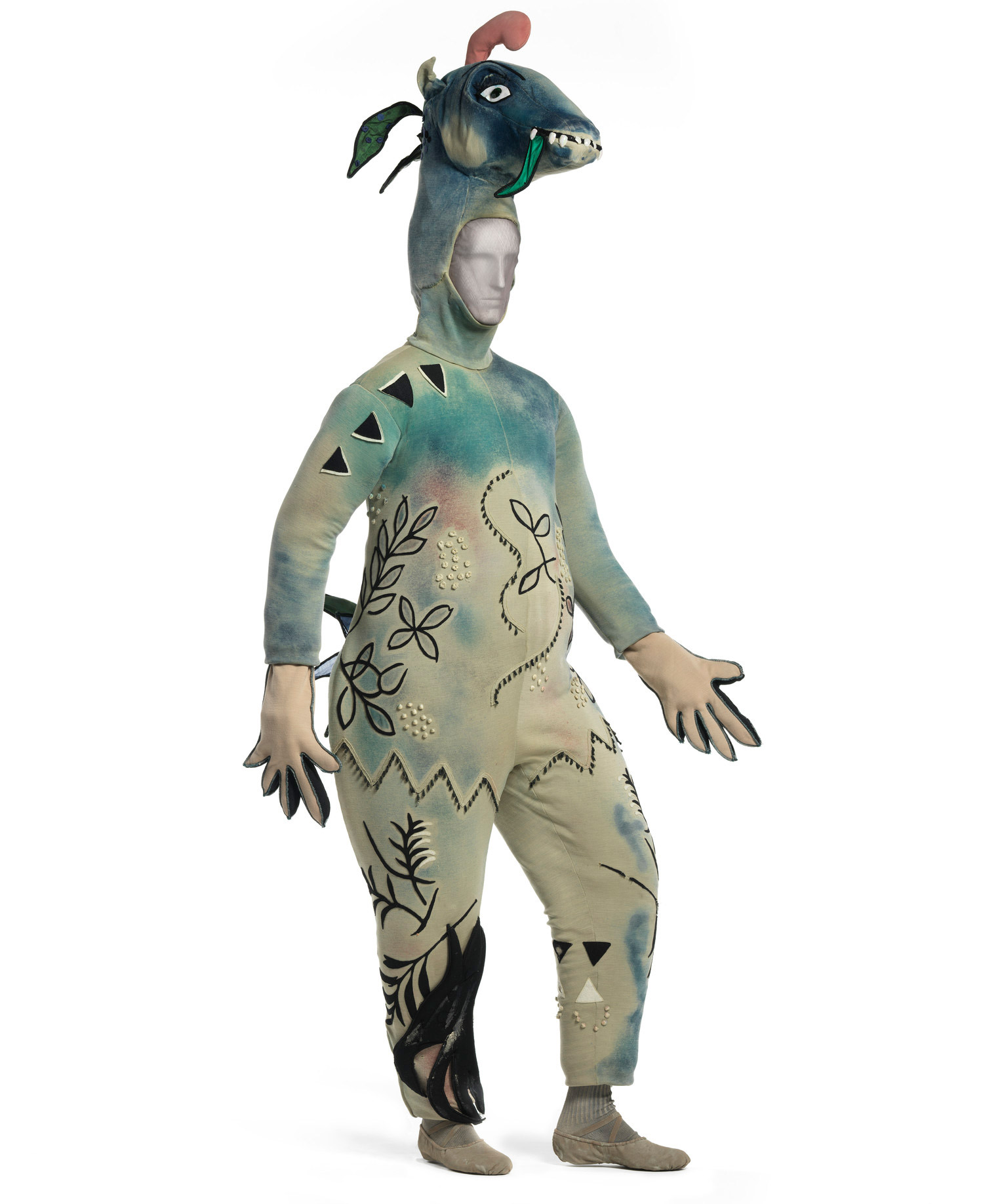 lacma_chagall-fantasies-for-the-stages_the-firebird-costumes4_w
