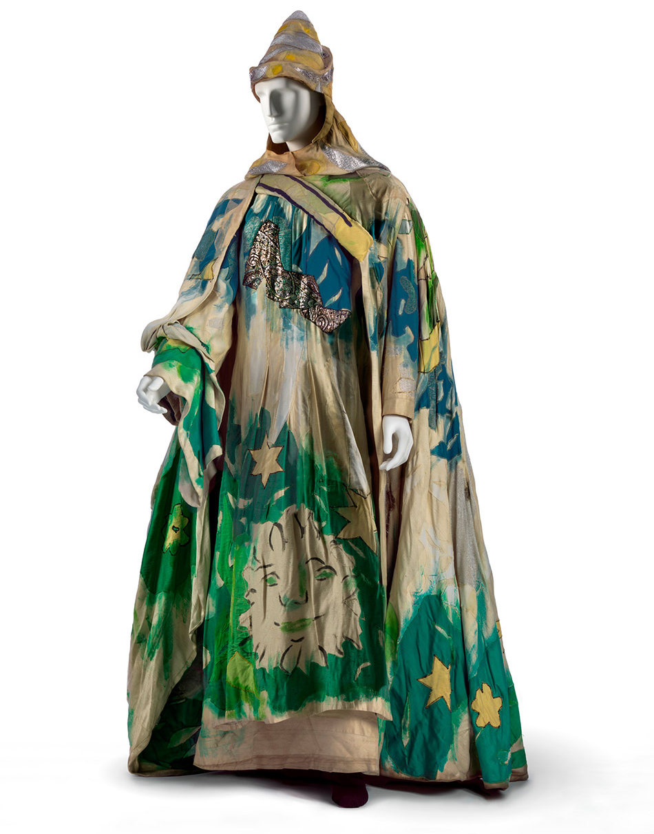 lacma_chagall-fantasies-for-the-stages_the-magic-flute-costumes3_w2