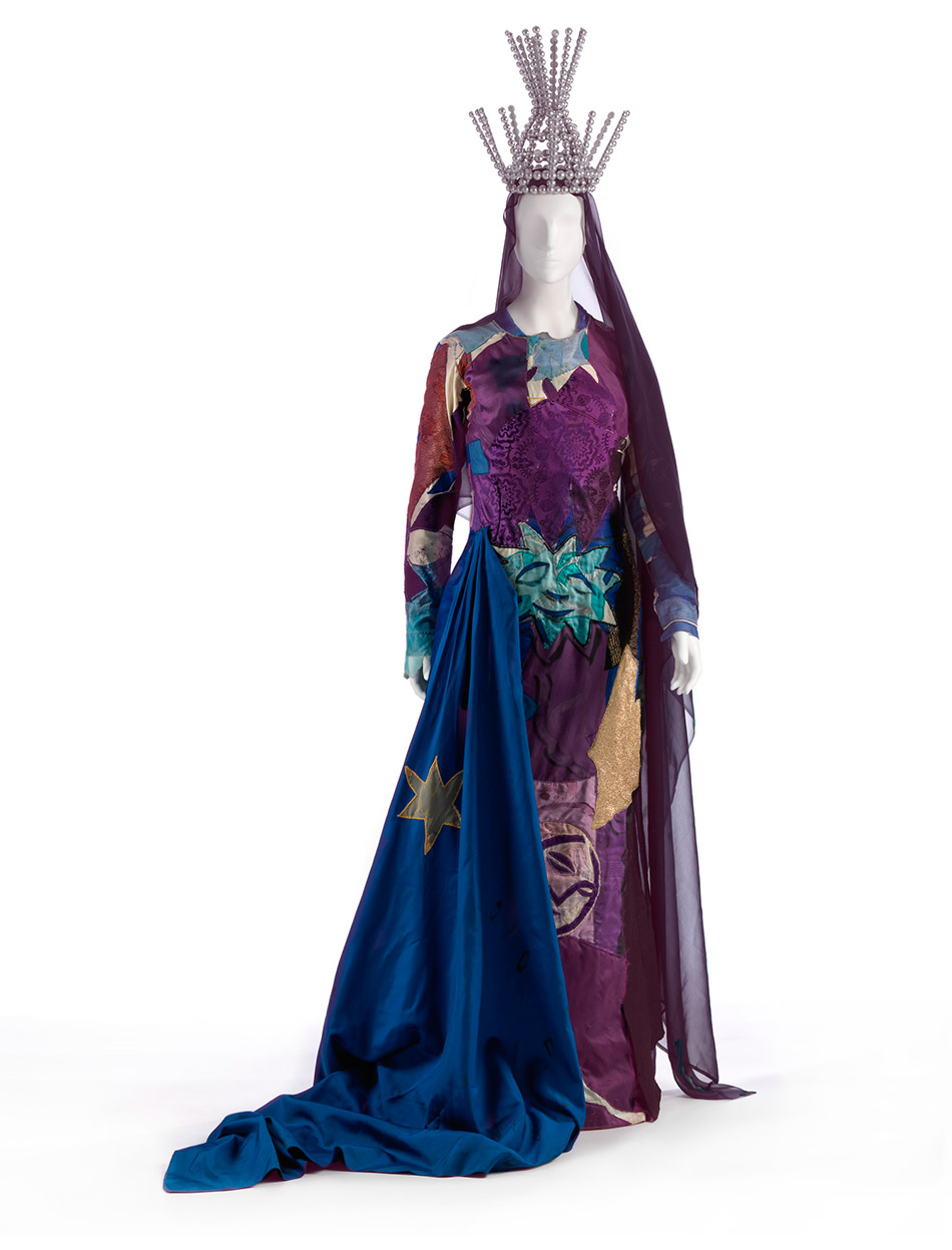 lacma_chagall-fantasies-for-the-stages_the-magic-flute-costumes4_w