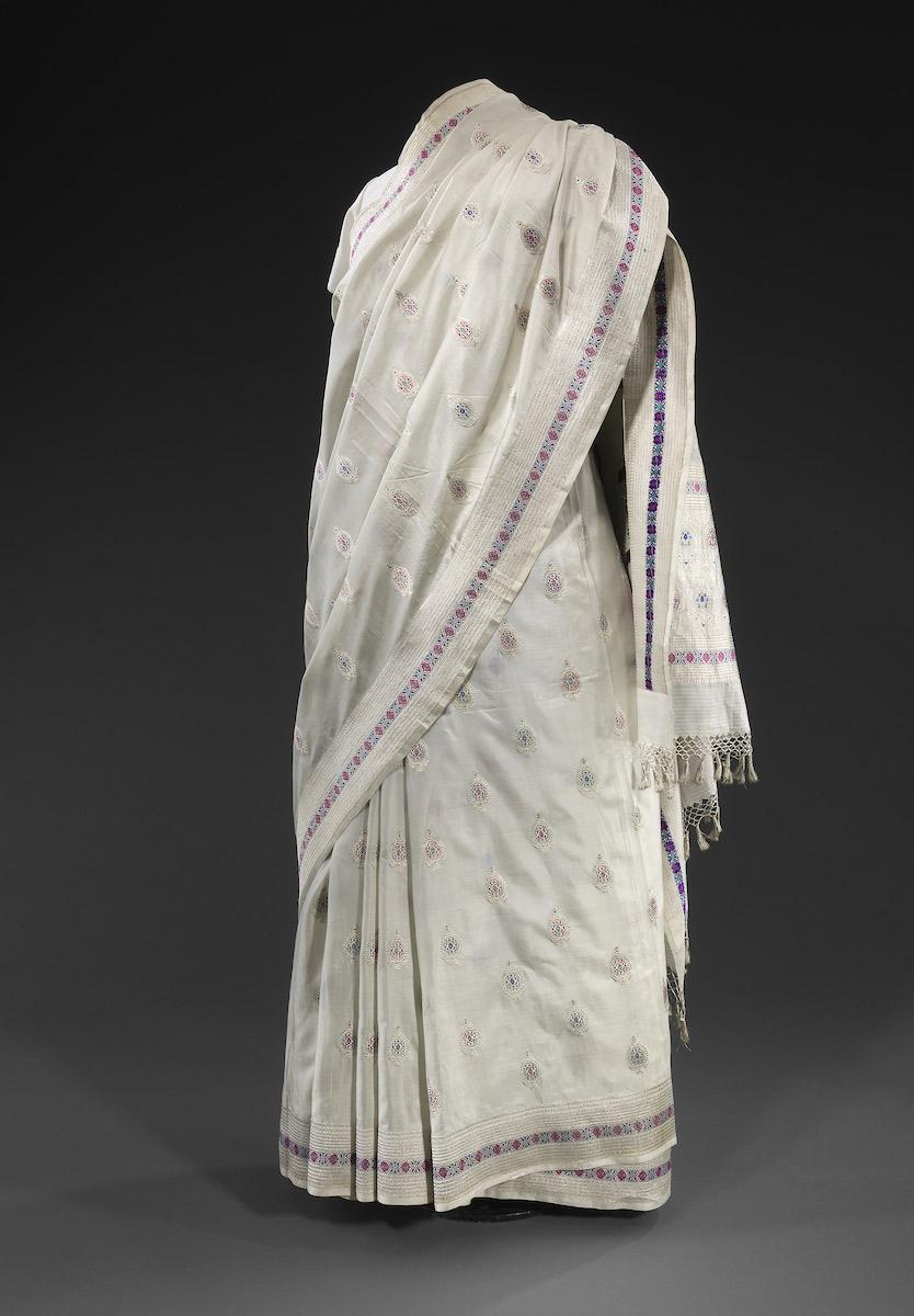 the-jewish-museum_676-DressCodes_F023-India