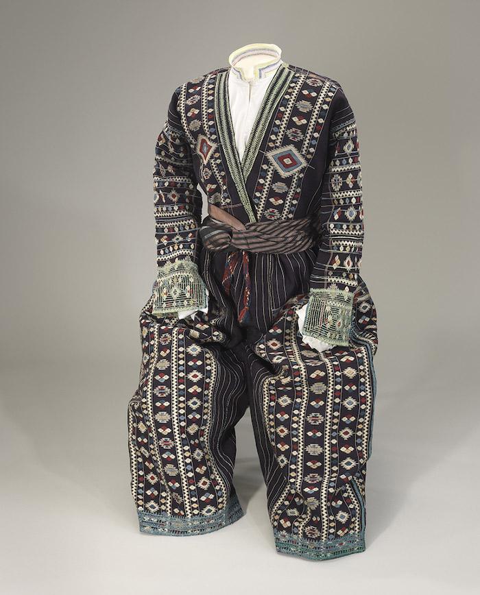 the-jewish-museum_676-DressCodes_F026-Kurdistan_w