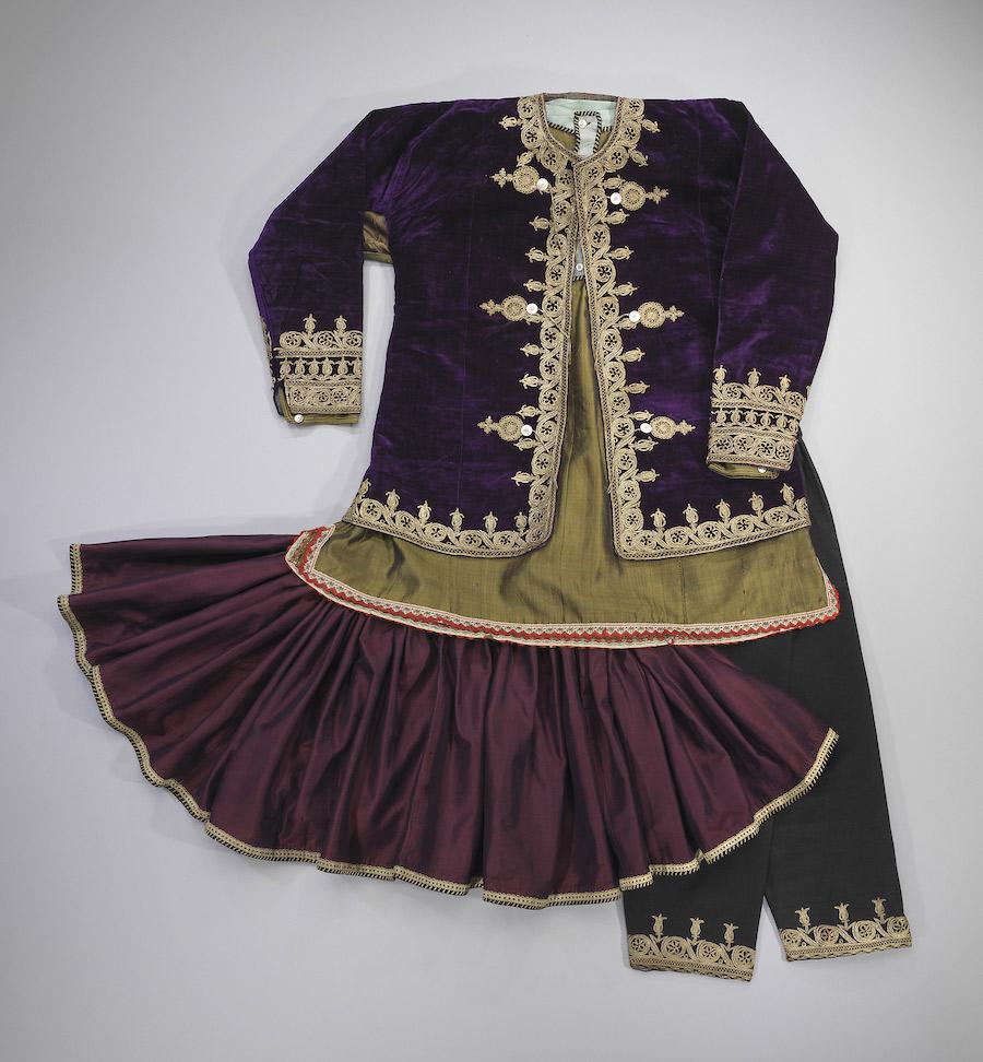 the-jewish-museum_676-DressCodes_F041A-Iran_w