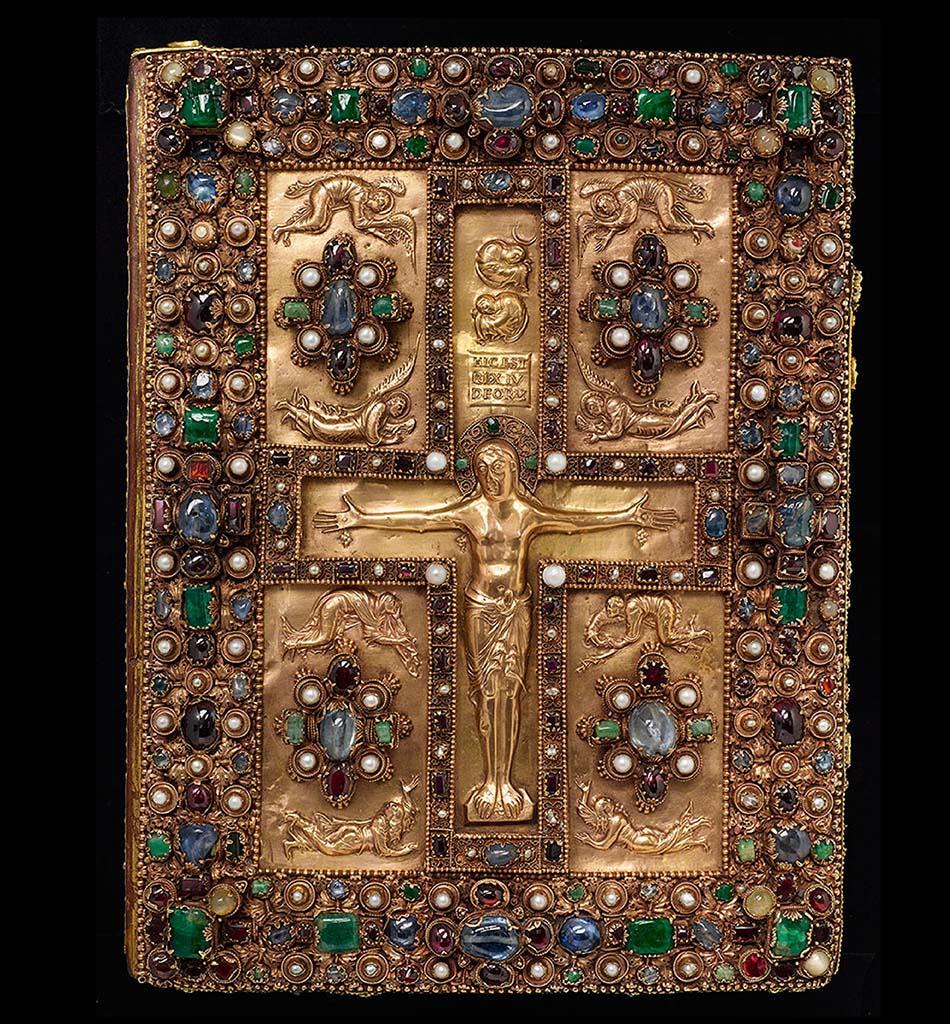 2-Lindau-Gospels-front-view_ret_w