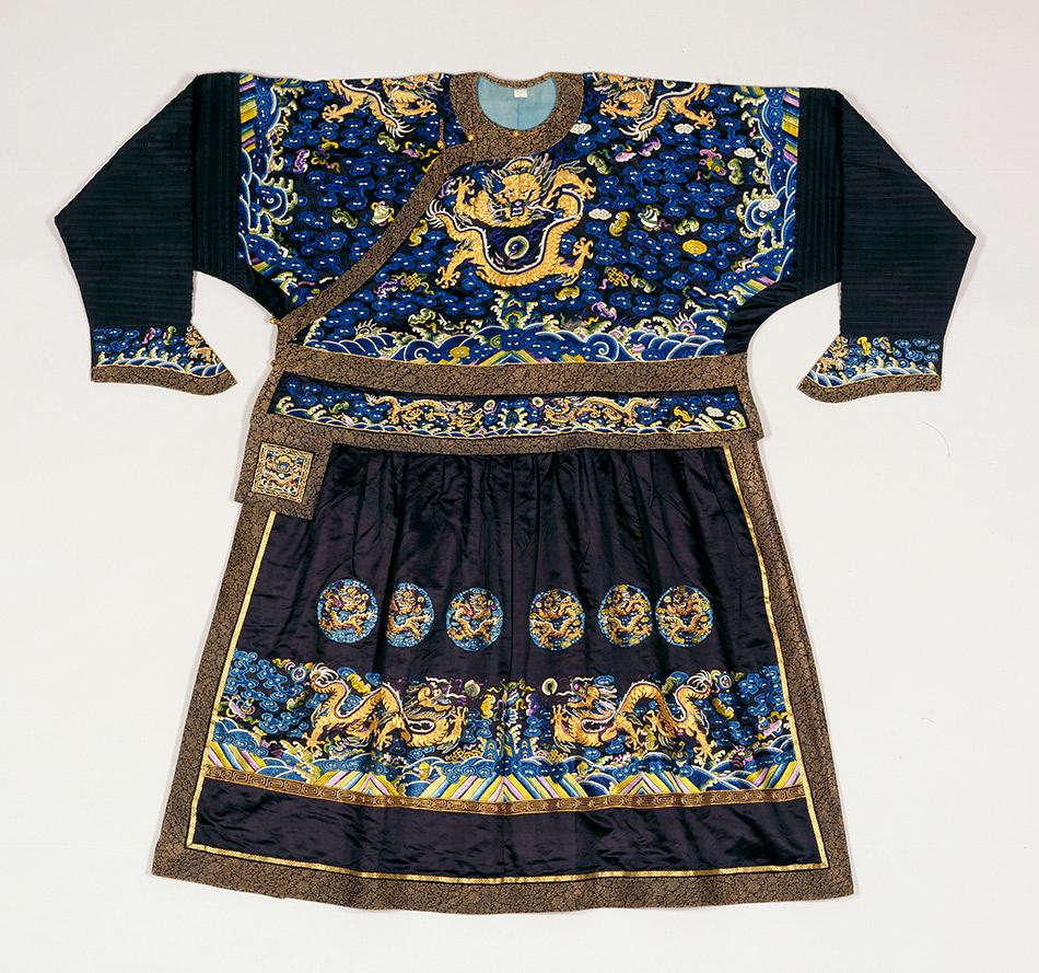 Manchu-man's-formal-court-robe_950_w