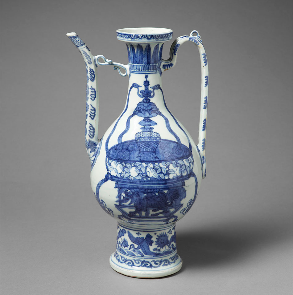 Ewer_China_Porcelain_Ming dynasty_Kimbell Art Museum_The Sam and Myrna Myers Collection