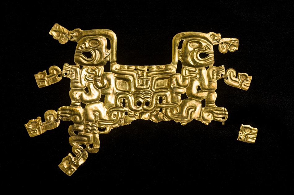 Mouth Mask with Feline Creature and Human Figures_gold_Cupisnique-Chavin-800-550 B.C. Peru-Kuntur Wasi_Tomb A-TM2_San Pablo_Ministerio de Cultura del Peru