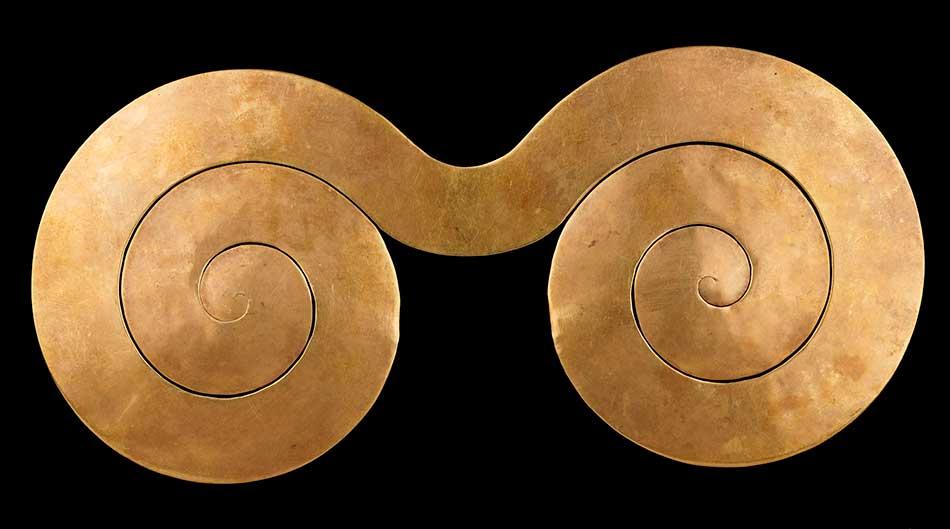 Pectoral_gold_Nahuange_A.D.200-900_Colombia_Magdalena_Santa Marta_Museo del Oro_Bamco de la Republica_Bogota