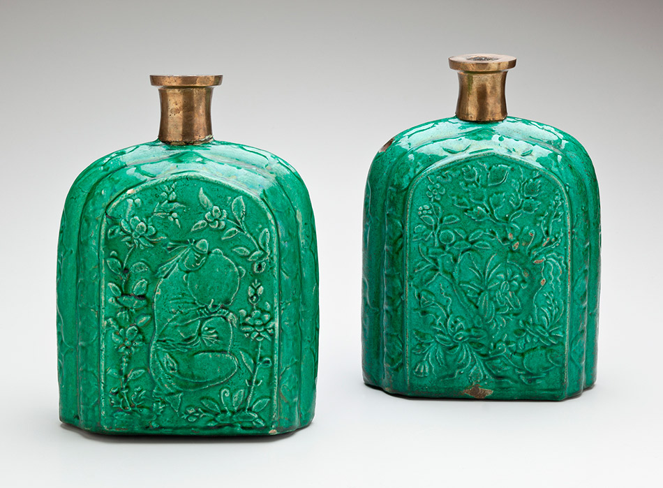 41.1234_Unknown,-Molded-Kalian-Hookah-Base-with-Arabesque-and-Floral-Motifs950W