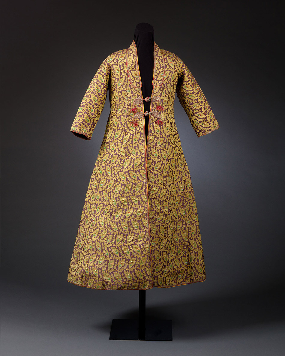 65.67_Unknown,-Man-Sawari-Coat-with-Boteh-and-Woven-Floral-Motifs_950w
