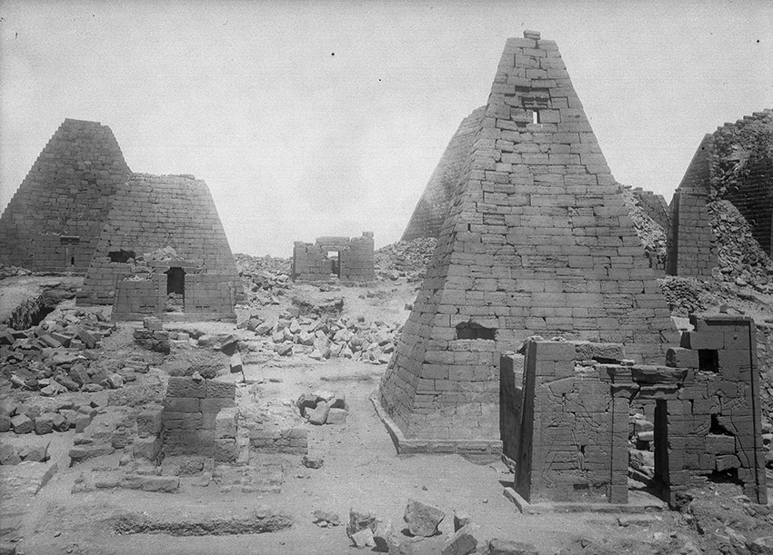 1921_05_Begrawiya-North-Cemetery-at-Meroe,-Pyramids-N-32-and-N-19_850-W