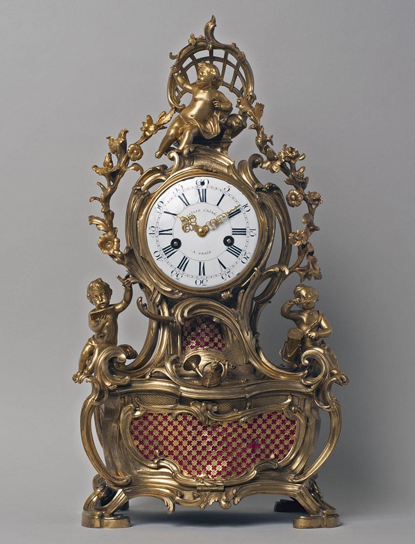 29_Reloj de chimenea musical francés, Luis XV por Gille L'Ainéy el broncistaJean-Joseph de Saint Germain. Circa 1750,Medidas 68x38x23 cm. Nº Inv. RA 641