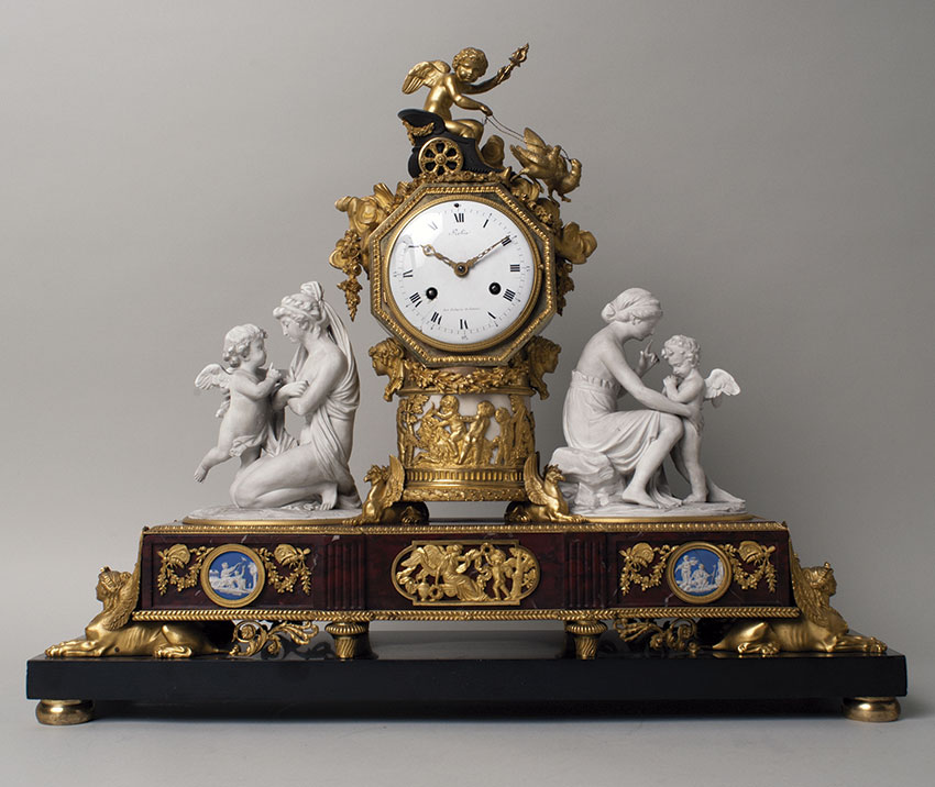 31_Reloj francés Luis XVI, por Robin. Circa 1795 Medidas 56 x 66 x 16,5 cm.Nº Inv. R.A. 516