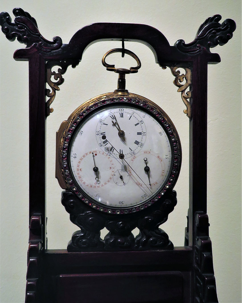 41_Reloj de carroza ingles por John Bittleston. Ultimo tercio del s. XVIII. Medidas 11 x 11 cm N Inv. R.A. 322