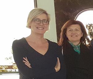5-bis_Patricia Reznak con May Ruiz, durante una visita al Museo