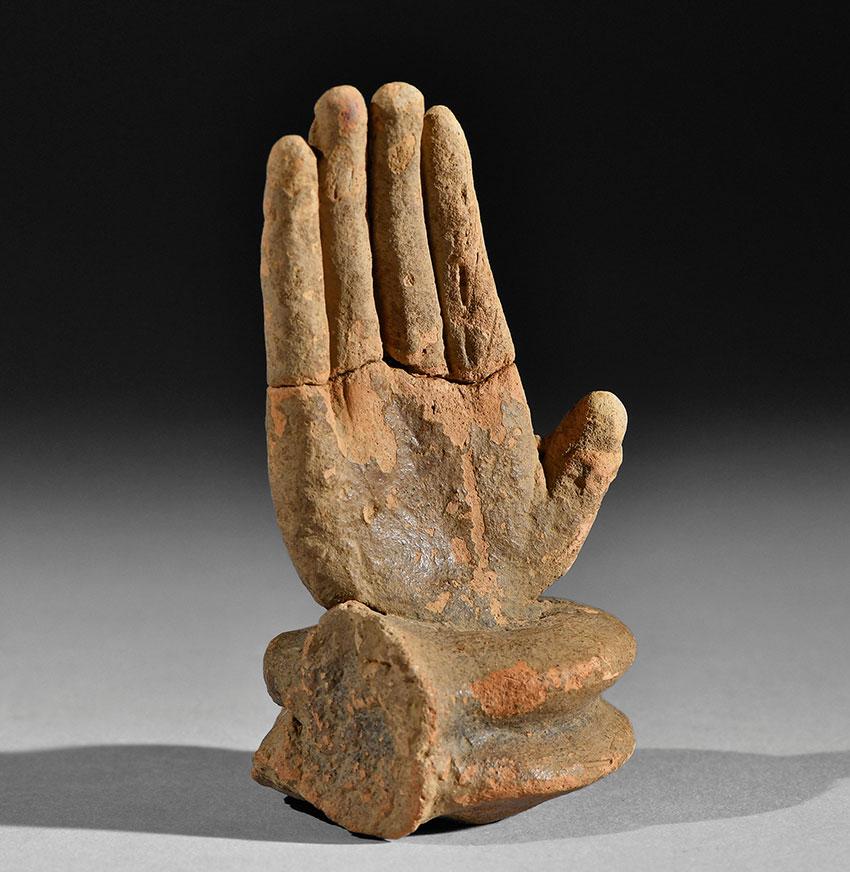 Hand.-Bura-Asinda-Sikka-Niger-.-3rd–11th-century.-Terracotta_Arfican-Art