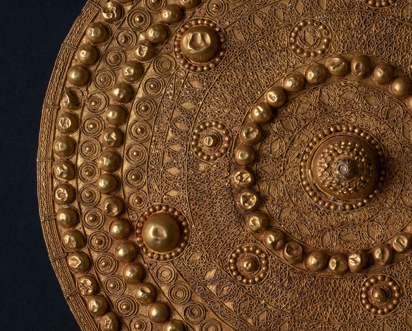 Pectoral_-Rao-Nguiguela-Senegal.-12th–13th-century.-Gold_detail-1_African-Art