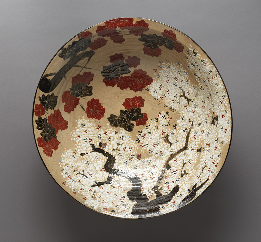 MET-Museum_-Kyoto_Large-Bowl-with-Cherry-Blossoms-and-Maple-Leavesfirst-half-of-the-19th-century_DP-17439-005_850