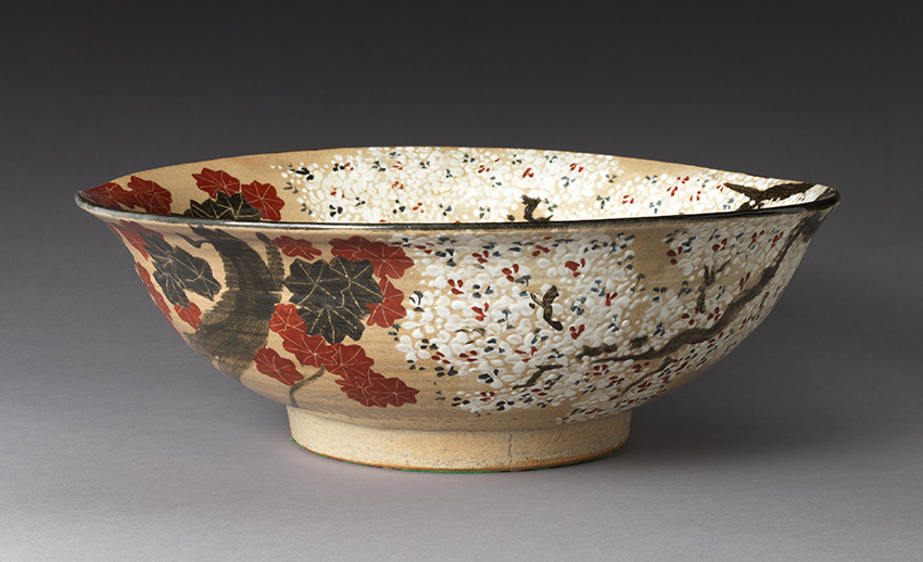 MET-Museum_-Kyoto_Large-Bowl-with-Cherry-Blossoms-and-Maple-Leavesfirst-half-of-the-19th-century_detail_DP-17439-004_850-W