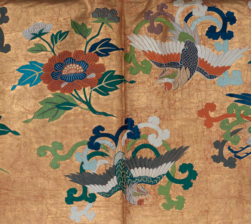 MET-Museum_-Kyoto_Noh-Costume-_Nuihaku_-with-Phoenixes-and-Peonies_second-half-18th-century_detail_-DP277701-850-W